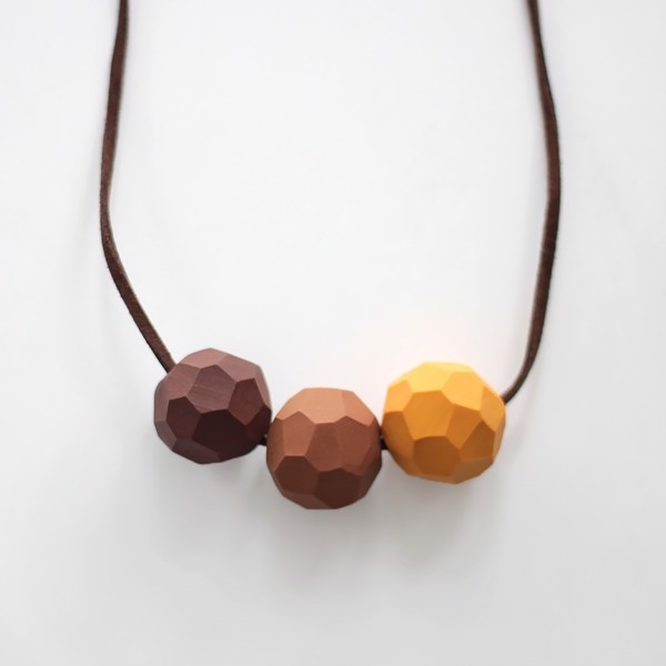 Picture of Earth Necklace 'Builder'
