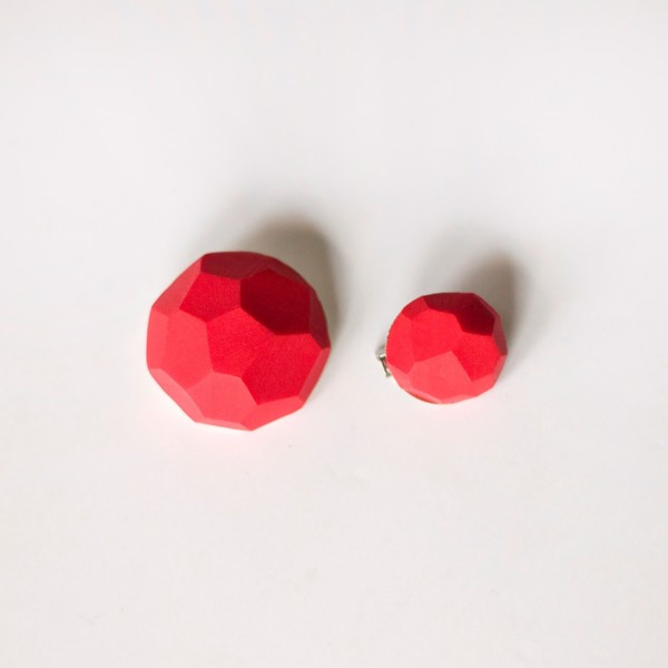 Picture of Small Strawberry Brooch set 'Stones'