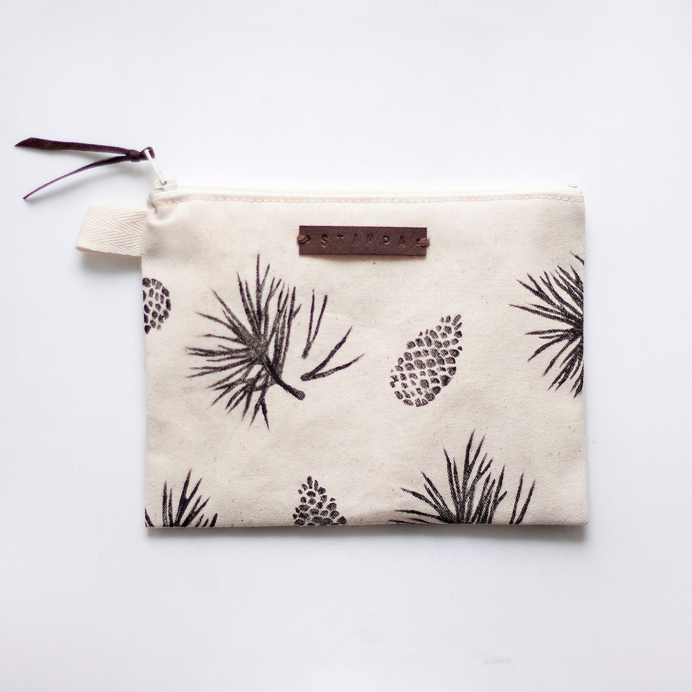 Picture of Pine and needles Zipper Pouch