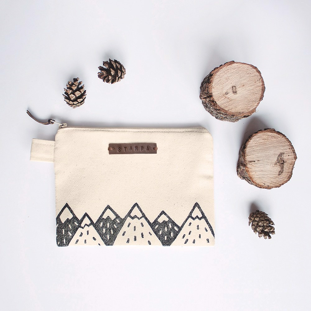 Picture of Mountains Zipper Pouch