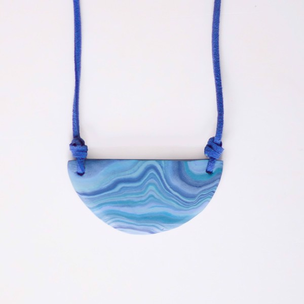 Picture of Blue Halfmoon Necklace 'Surfaces'