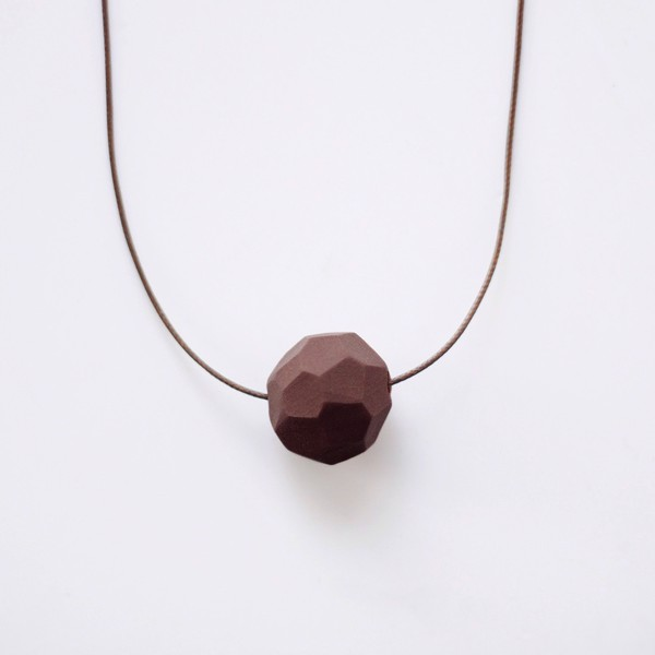 Picture of Small Chocolate Necklace 'Stones'